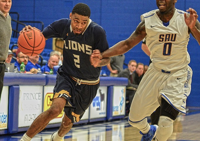 Lions edge Southern Arkansas 78-76 to close out 2016 on high note