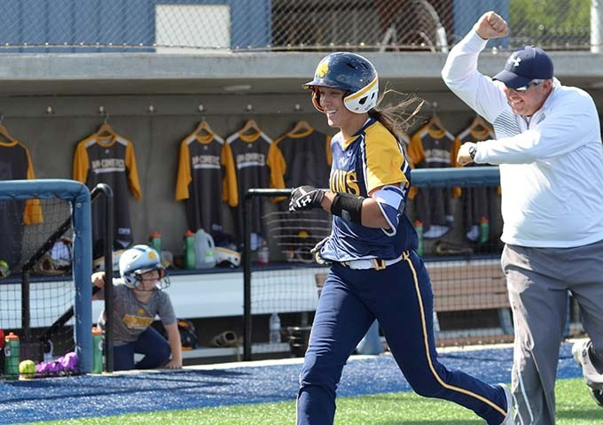 Lions Win Offensive Battle 13 11 Over Twu Punch Ticket To Lsc